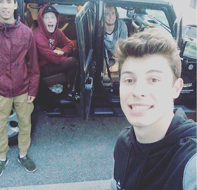 shawnmendes miss these guys 💓