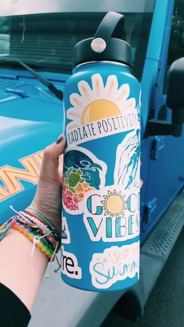 Things You Need to Become a vsco Girl - Hydroflask Water