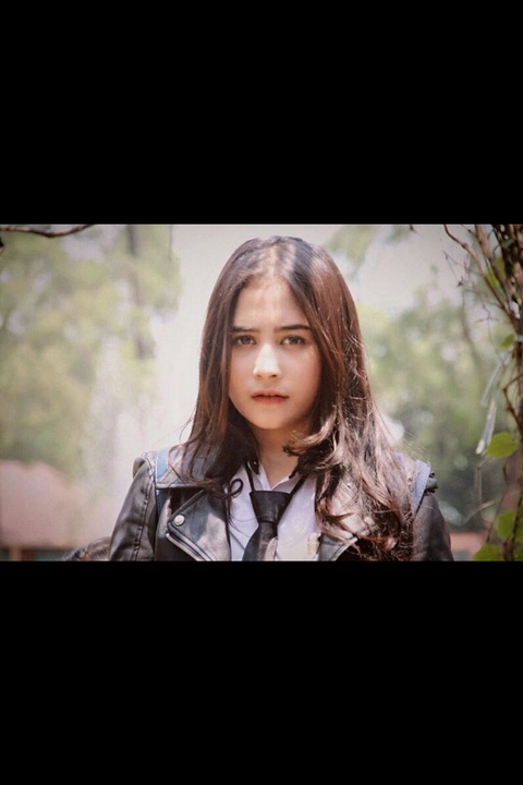 Prilly Alexis Forester16 tahun