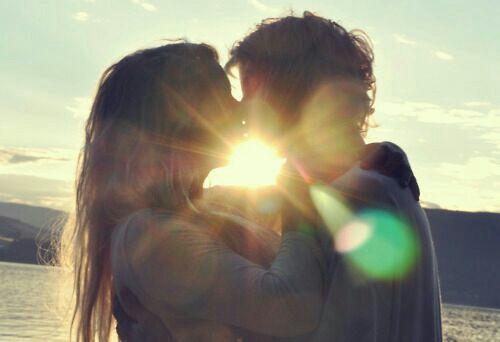 Alfredo hug and kiss Fienna