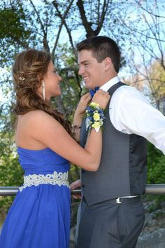 We took cute prom pictures like these ~