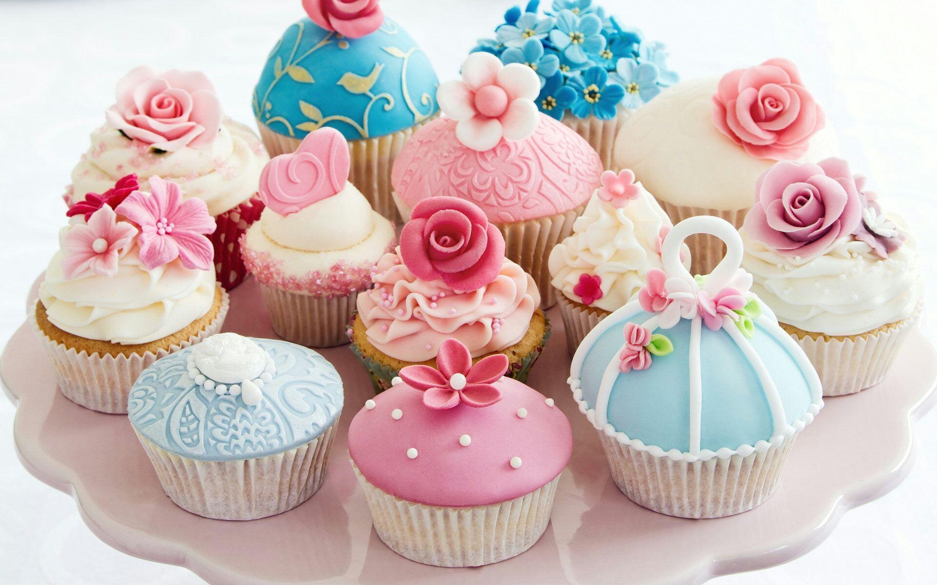 Пирожное на день рождения