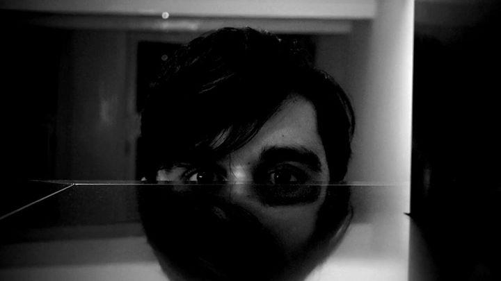 Mangelrogel: te observó de la oscuridad