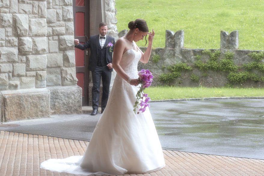hochzeitsfotograf kosten :- La grande majorité dira que la photographie de mariage doit être prise standard un master avec un sens aigu de l'inventivité