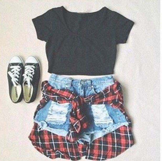 3:30 I went to the gym at 1 and the I went to Starbucks and I came back and changed into ((Outfit below))