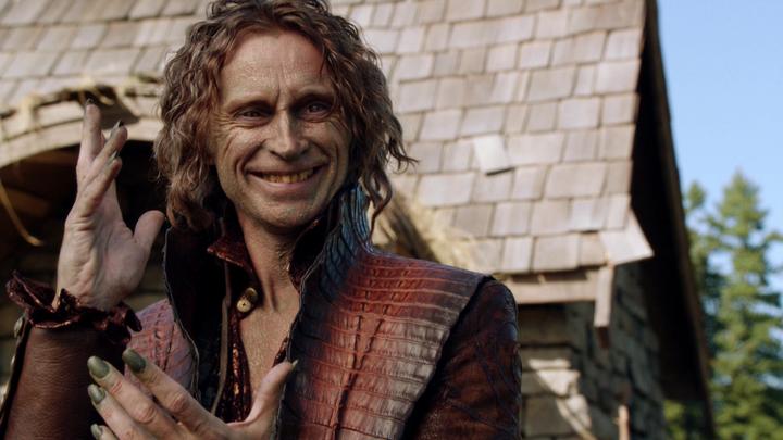 Lo único que no me gustó de la serie y arruino mi infancia, excluyendo los casos de Peter Pan, Arturo, Jekyll y Hyde, fue que la Bestia era Rumpelstilskin