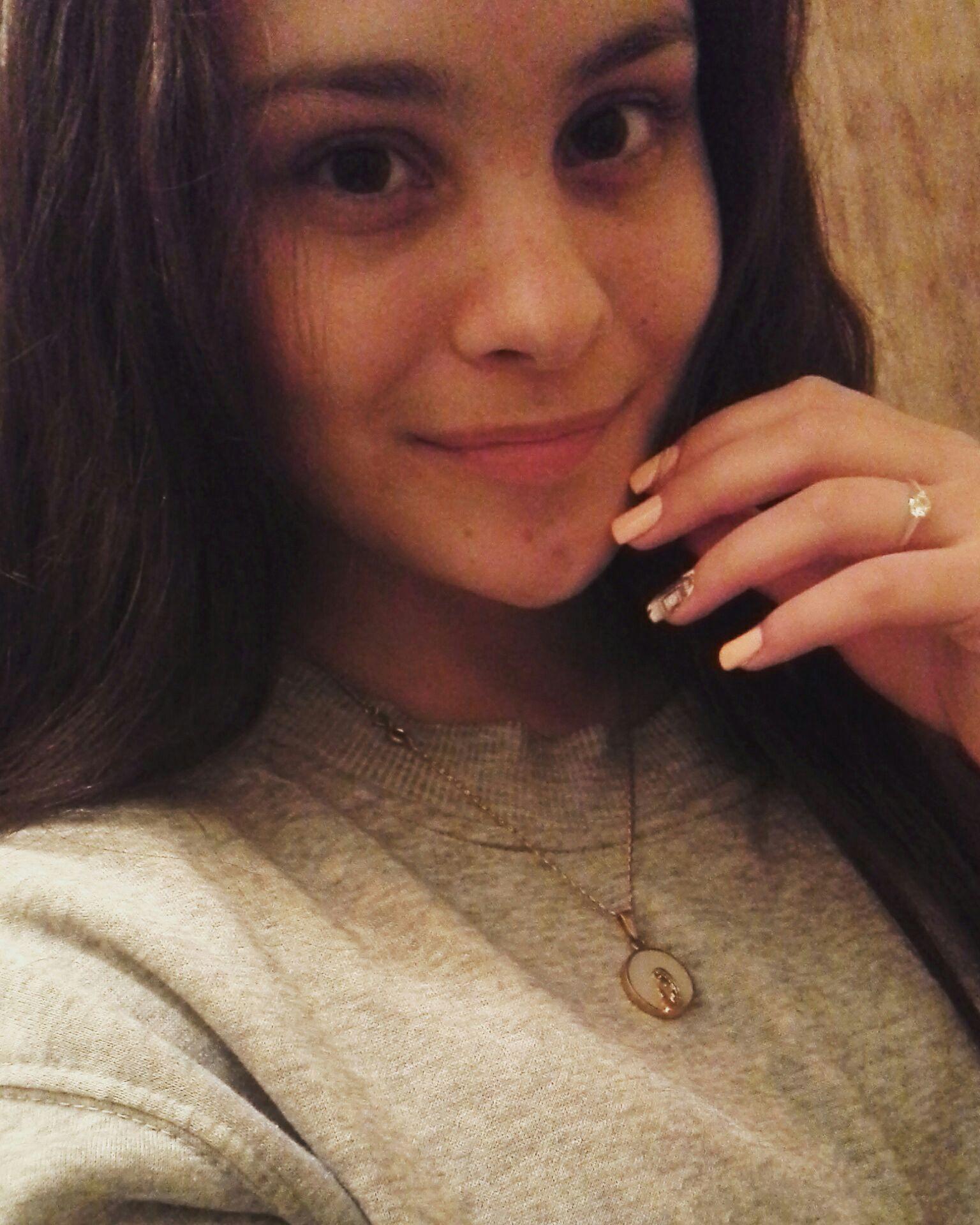 (Aquí me estaba haciendo la linda porque me había hecho las uñas)