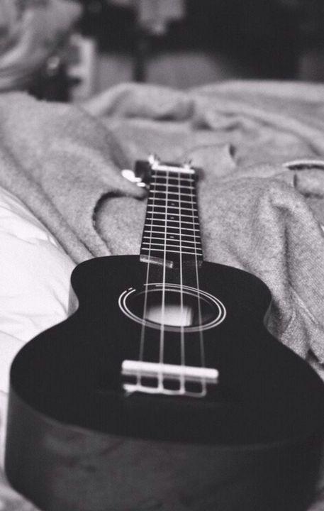11) Liebe einfach Gitarre und Spiele sie auch deswegen hehe