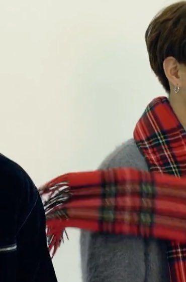 Oops Khăn của JK xao động rồi =))))))))))))