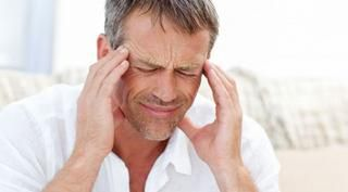 Sakit kepala migrain, adalah contoh sakit kepala yg ditandai dengan sakit kepala hanya di sebagian kepala yg bisa disebabkan oleh beberapa faktor ringan seperti cahaya, stres, suara, makanan dsb