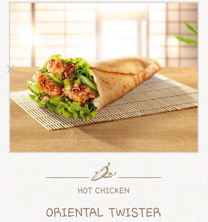 """""""ucap joohyun menunjuk menu yang berada dipapan menu"""