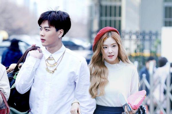 kyungheehigh những ngày chúng ta thấy thằng bên trái lành lặn sạch sẽ, chỉ có thể là khi nó đi bên cạnh Joohyun