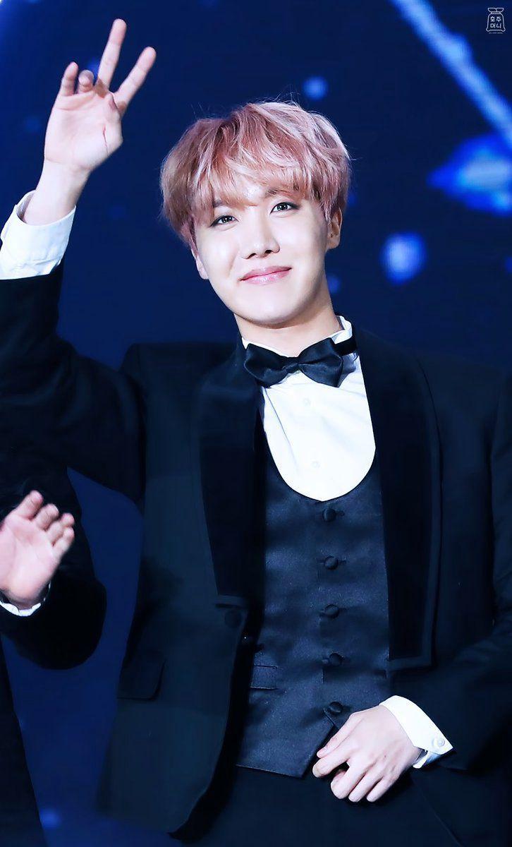 Name: Jung Hoseok (정호걱)Age/DOB: February 18th, 1994 (aged 25)Height: 1