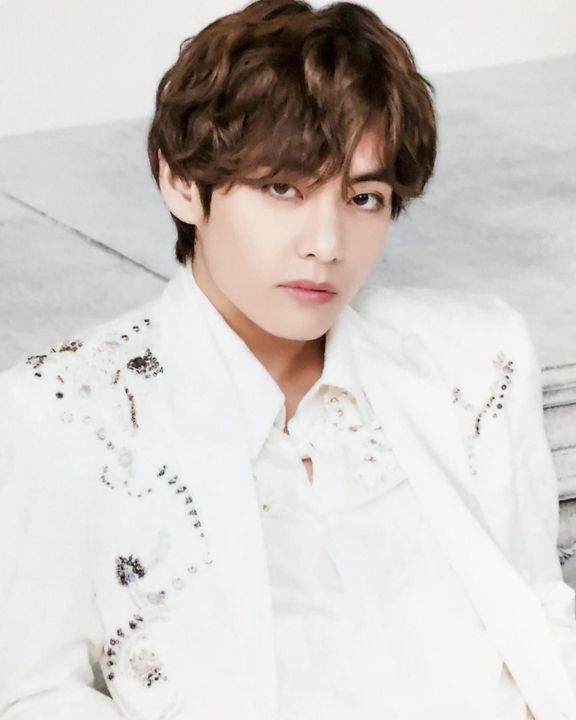 Kim Taehyung-Dahyun's brother-Love his friend & younger sister-Kind man-Handsome