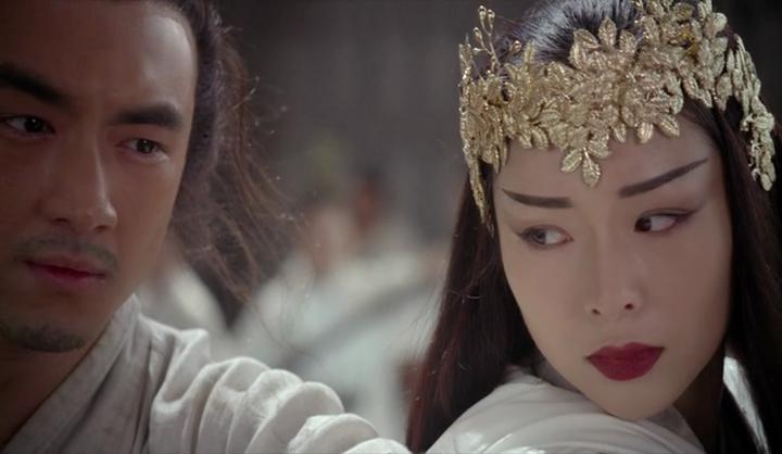 Debaran itu masih tersisa, ia masih berharap Hsiao-feng menggenggamnya dengan lebih lembut