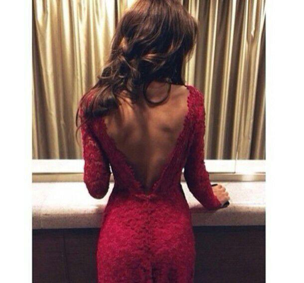 Брюнетки со спины в платьях