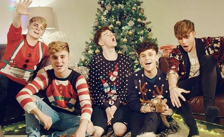 roadtriptv hope you all have an amazing christmas & new year! we love you lots and thank you for your ongoing support!❤️sianxo, arabellalovelis and 74,783 others liked
