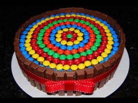 Chris:QUE RICO- apunto de comer la torta de JoeyErick:NO no es para vos es para Joey Tn:por que es para el??:(Erick:por que si y punto Joel:gracias Erick me encanta el chocolate y si Chris podes agarrar una pedacito-Lo agarra de la cintura y le da...
