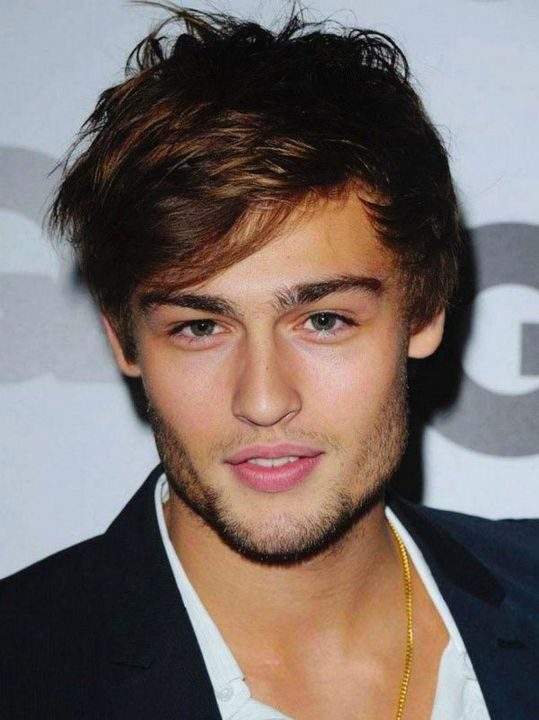 Douglas Booth as Bennett Wilder