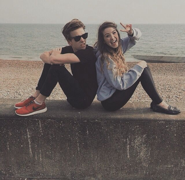 """joe_sugg: """"LET'S GO TO THE BEACH AND HAVE A BIRTHDAY PHOTO SHOOT!!"""" - Willa"""