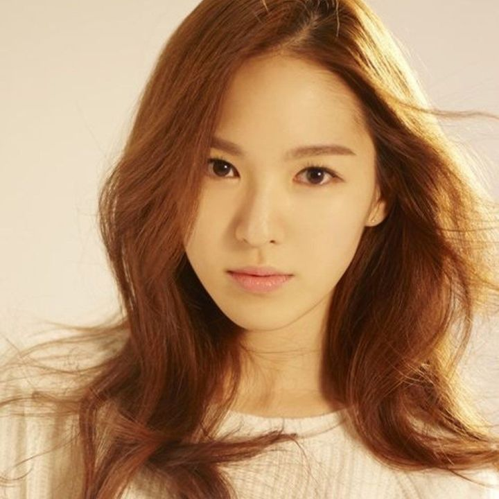 Kim Ah-Young commonly known as Reina, member of MR18G is set to make her solo debut later this month