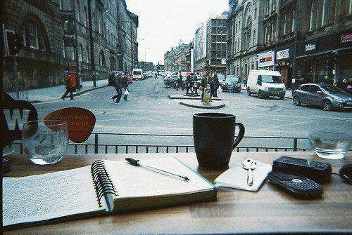 Aku meninggalkan kantor Albert dan langsung mengemudikan mobilku menuju sebuah coffee shop kecil yang selalu menjadi langgananku