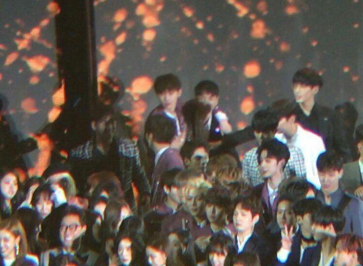 Falling In LOɅE ✓ - 39: 13th Annual Soompi Award - Wattpad