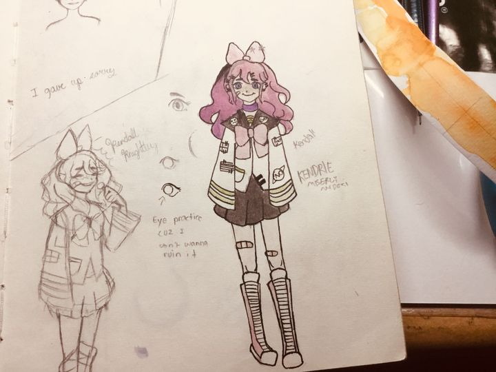 Eyy found meh old sketchbook after cleaning my room