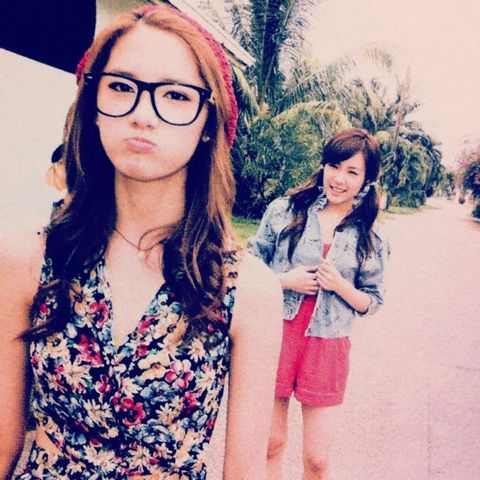 Two best friends who later on become friends with Taeyeon