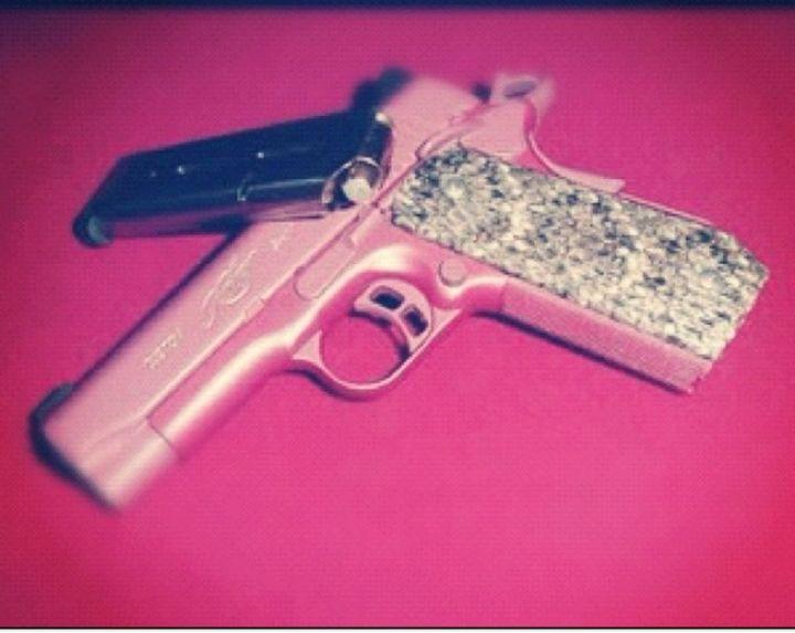 I grabbed my gun out my car and ran upstairsHer gun
