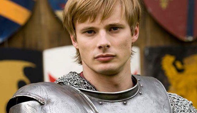 Bradley James como Killian Arthur Kurt de Corvent