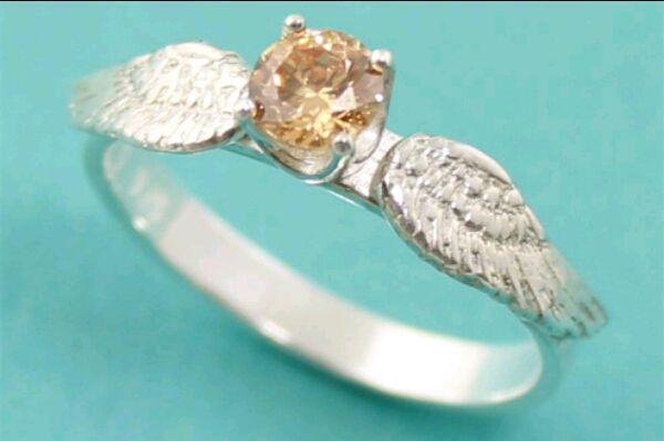 -¡¡¡Si, si, si!!!! Me quiero casar contigo Chase -le dije mientras me ponía el anillo en mi dedo era hermoso: