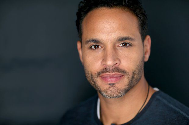 Daniel Sunjata as Dominic (Aaron & Alexis' father)