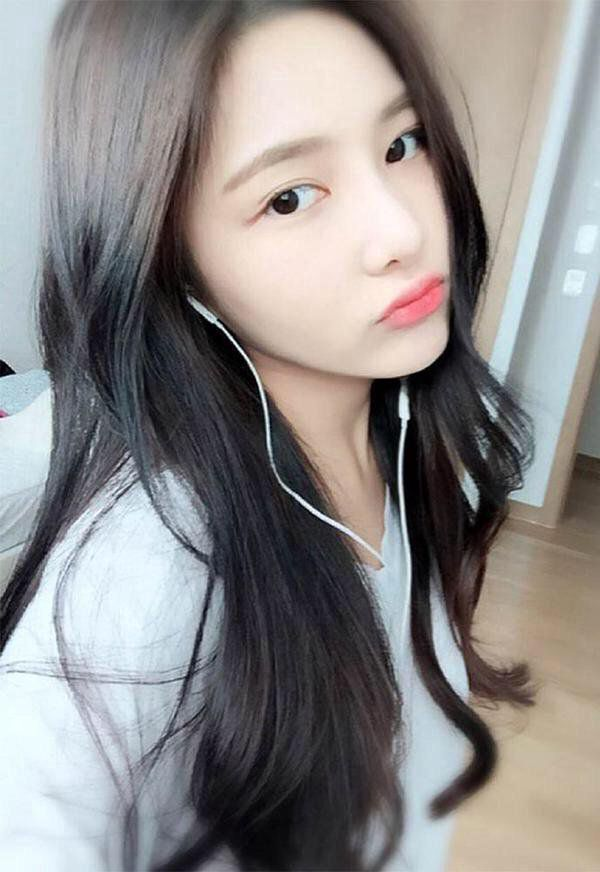 ❤ realdefdanik, j_chaeyeoni, dan 1009 lainnya