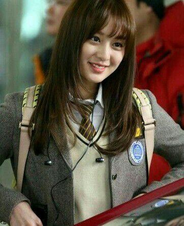 Kim JiwonSenior Jiyeon sekaligus teman sekelas Myungsoo di sekolah