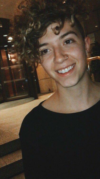 Jackaverymusic: Me and Maddie were hanging out tonight and she got a picture of me smiling