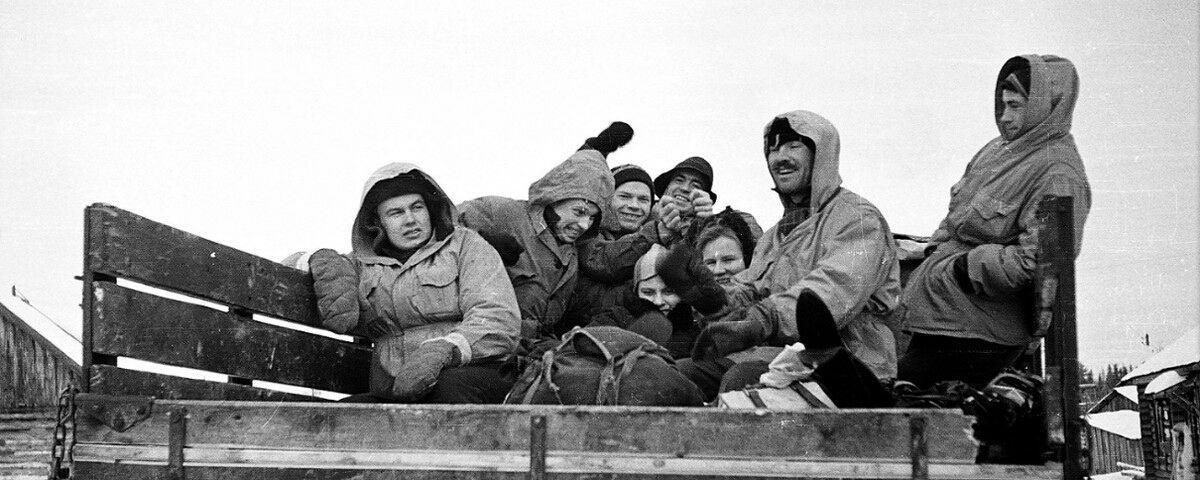 Een groep van 8 mannen en 2 vrouwen onder leiding van Igor Djatlov vertrokken in januari 1959 op een expeditie/skitrip