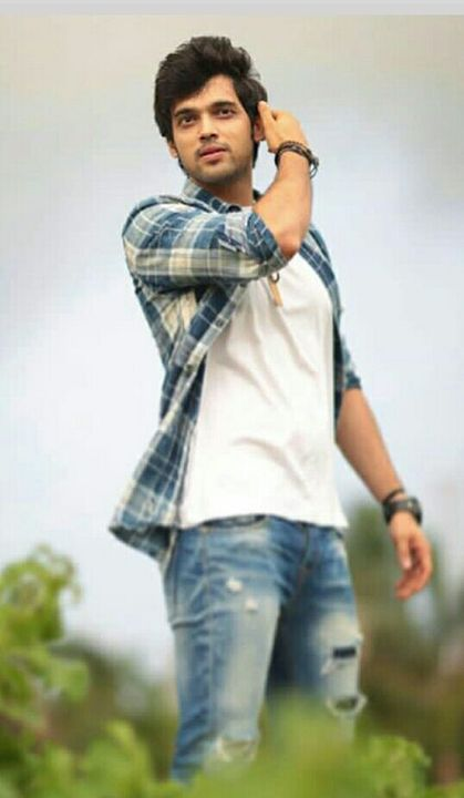 Abhimanyu Malhotra: 25 years old,Handsome, Charming and very intelligent