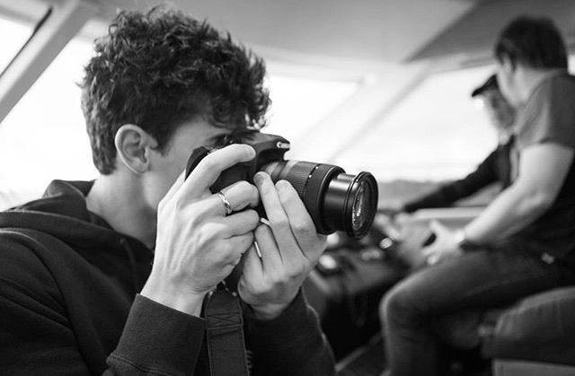 claudiatihan you should become my photographer shawnmendes