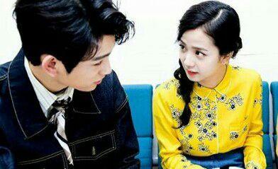 Nayeon-ah 😭 apa ini benar? Sebenarnya gadis itu siapa Jinyoung? Nay, kau baik-baik sajakan?