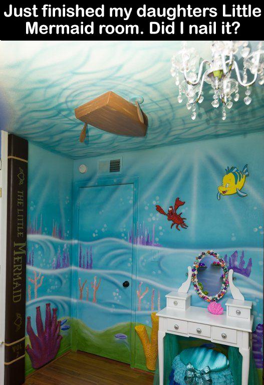 Si un jour, j'ai un bébé fille, je veux absolument cette chambre! Bon on s'entend que je n'ai aucun talent artistique et que la commande sera passée à quelqu'un d'autre haha!