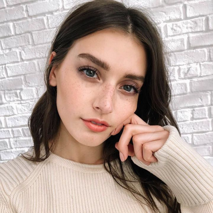 Model : Jessica Clements