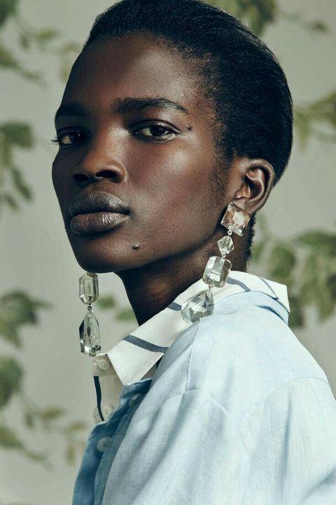 LACE OF BIRTH: Kampala, UgandaKNOWN FOR: ModelingGIF AMOUNT: Low