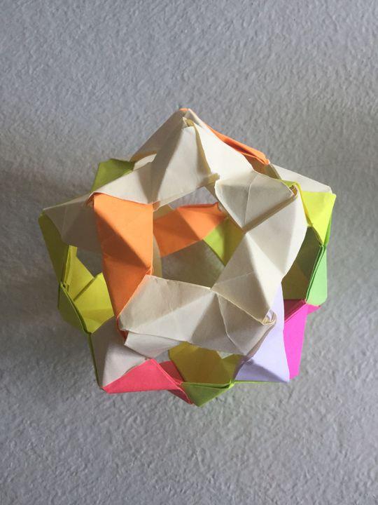 Modular origami – Polypompholyx | 720x540