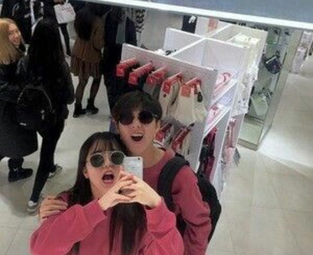 guess we all know what happens when JJ and Jin go shopping together 😂😂