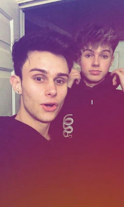 mikeycobbanbuzzing to go on tour with hrvy @hrvy11