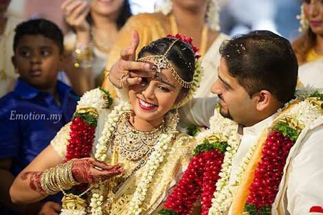 Next groom should apply kumkumamVermillion on bride forehead and to that new mangalsutra she diverted the topic