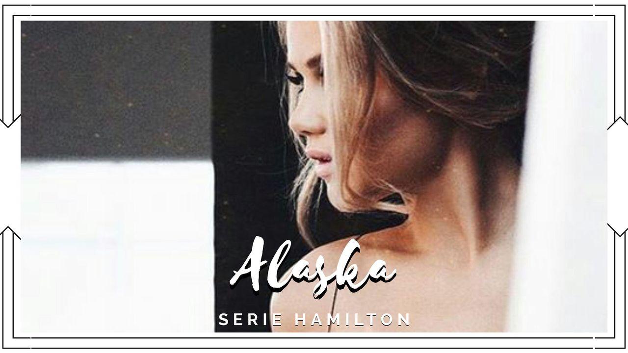 Mi nombre es Alaska, tengo veintiséis años, vivo en Los Ángeles California y trabajo para una revista de moda