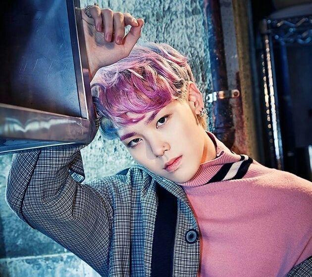 Nom complet : Choi Jun HangDate d'anniversaire : 15 octobre 1996Position : Leader rap