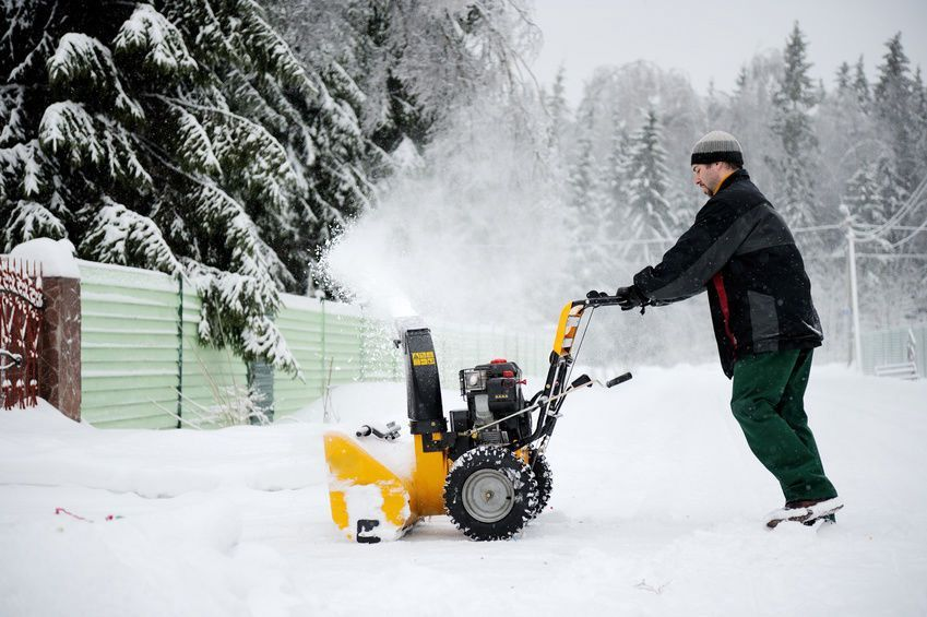 All electric snow blowers are single-stage so they won't plow through big piles of snow, however they are fit for level areas with moderate snowfall as well as specialized locations like decks as well as outdoor patios